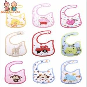 Image 3 - Водонепроницаемые Слюнявчики для девочек, 30 шт./Лот, милые Мультяшные детские нагрудники из хлопка на выбор, детские подарки
