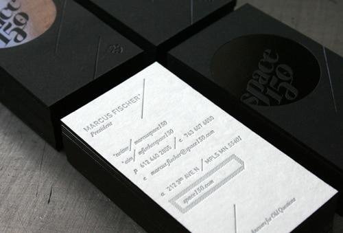 Nouveau Style Personnel Typographie Carte De Visite Papier Impression Personnalise Argent Estampage Nom Cartes 600gsm Dart Un Ct Mat Noir Dans