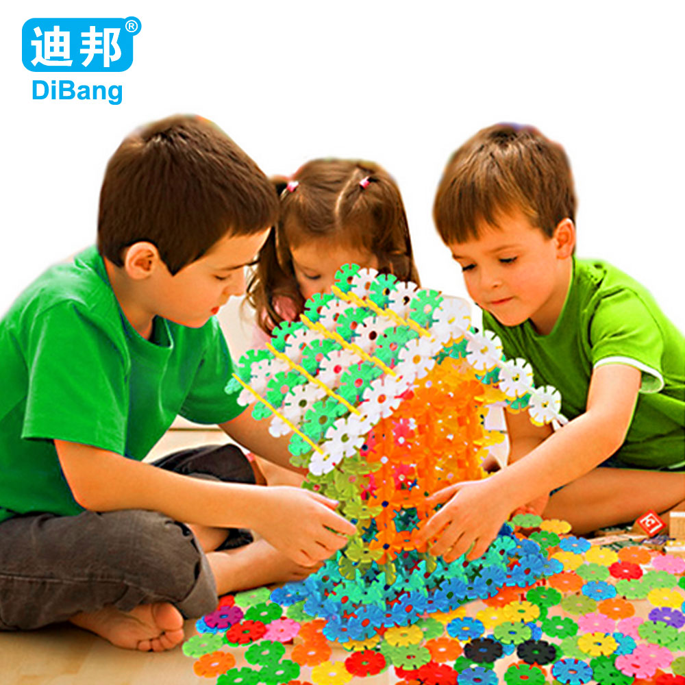 300Pcs Snow Snowflake Building Blocks Toy Baby Children Montessori Educational Toy DIY Assembling Bricks Gift Kids Classic Toys