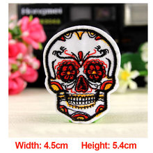 1PC Patches For Clothing Skull With Flower Embroidery 4.5x5.4cm Apparel Bags DIY Accessories