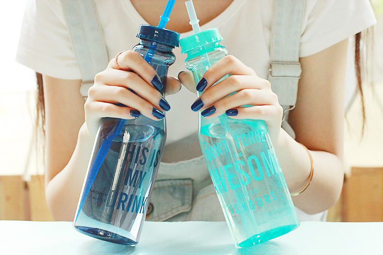Fashionable Travel Cup Sport Coffee Mug Soda Bottle Cup Portable Glass CupWith Straw Leak-Proof Mugs Customized Christmas Gifts