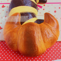 2016 New Authentic Super Croissant Simulation Bread Slow Rebound Squishy Early Childhood Toys Decoration