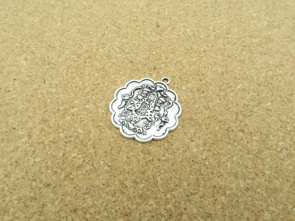 Pendants For Necklace Antique Sliver Virgencita Plis Cuidame Mucho