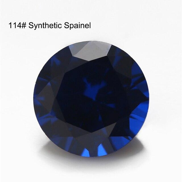 синтетические шпинельные камни круглой формы с блестящей огранкой фотография