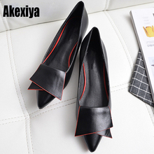 2019 Leather Flat Shoes pointed toe With low Woman Loafers C