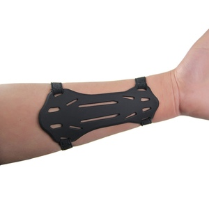 1pcs Small Silica Gel Arm guards Forearm Protector Bow Archery Arm Protector W/2-Straps Hunting Accessories