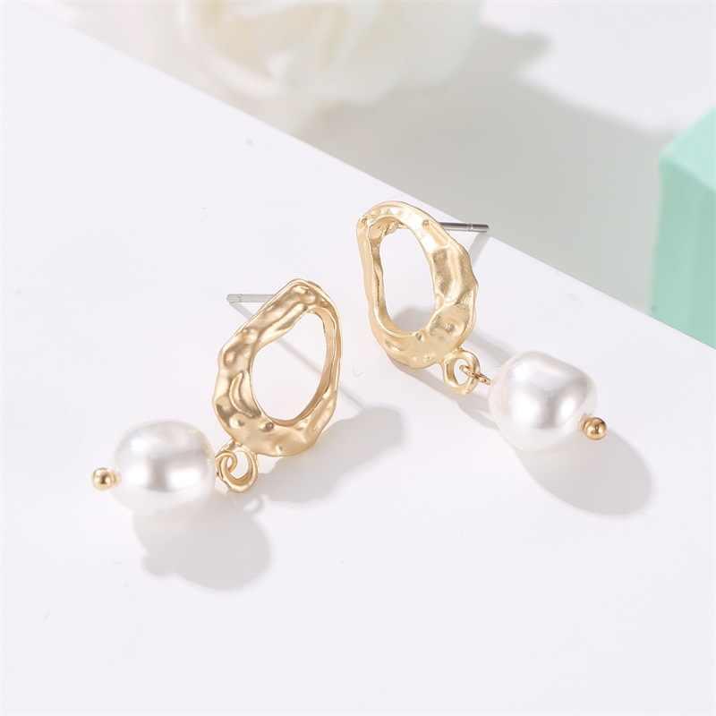2019 New Irregular Geometric Drop Earrings Korean Version Palace Baroque Pearl Earrings Wholesale Tassel Earrings
