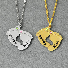 Bebé personalizado Collar de Los Pies, Collar de piedra de nacimiento, Nombres personalizados, Pies del bebé Joyería, 925 Joyería de Plata Grabado Nombre