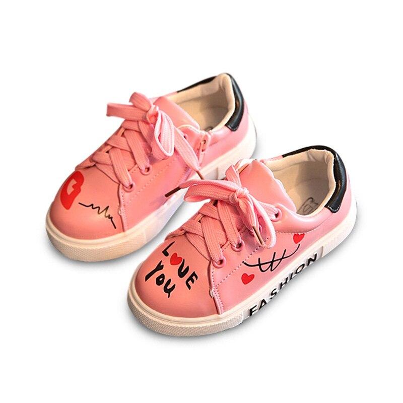 خريف 2017 أطفال أحذية الفتيان الفتيات الأحذية أزياء بيضاء بو الجلود الأطفال عارضة أحذية لينة طفل رضيع الأحذية الرياضية رياضية