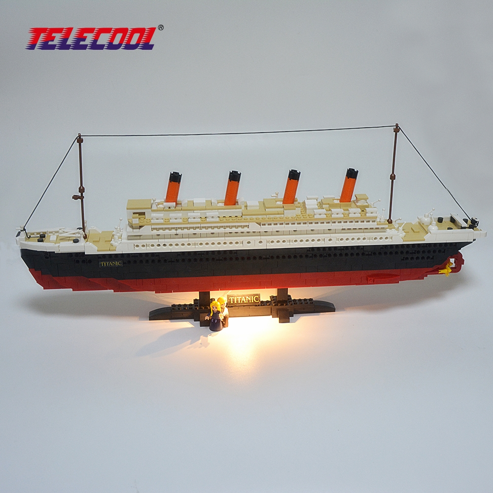 TELECOOL Big Size 3D Model RMS Titanic Ship Building Blocks Toy Boat Model 0577 With Led Light For Kids Christmas Gift telecool 536 pcs knight series lion king castle 1010 building blocks brick set toy for kids christmas gift