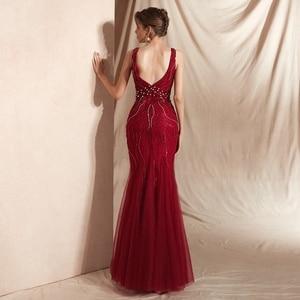 Image 2 - Wijn Rode Prom Jurken Luxe Kralen Champagne Mermaid Sleeveless Lace V hals Backless Lange Floor Lengte Elegante Avondjurken