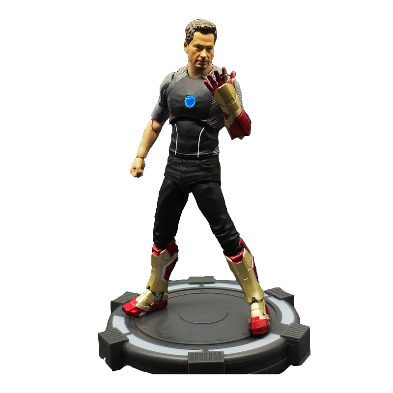 SAINTGI Marvel Avengers Assemble Iron Man Tony Stark Animated Doll Super Heroes 15cm PVC Action Figure Collection Model Toys