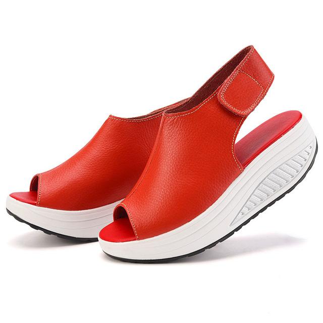 2017 Verão Mulheres Sandálias Peep Toe Casual Sapatos Balanço Cunhas Plataforma Senhoras Sandálias de Caminhada Sapatos Mulher Sandalias Zapatos de Couro