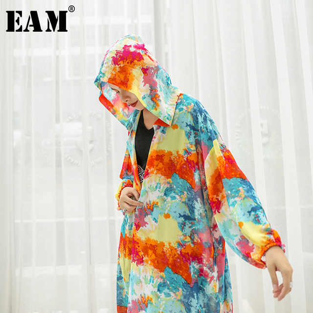 [EAM] 2019 New Spring Summer Hooded Long Sleeve Pattern Printed Loose Big Size Long Thin Windbreaker Women Trench Fashion JU641