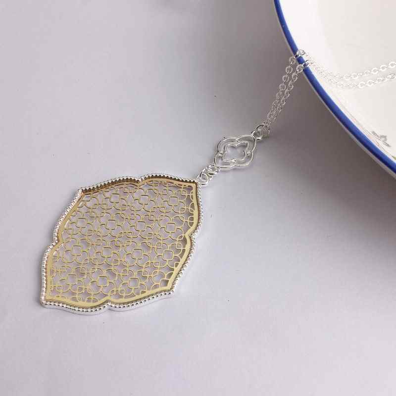 2018 New Long Chain Cutout Heart Motif Morocco Pendant Necklace for Women Fashion Fall Gold Long Sweater Chain Necklace
