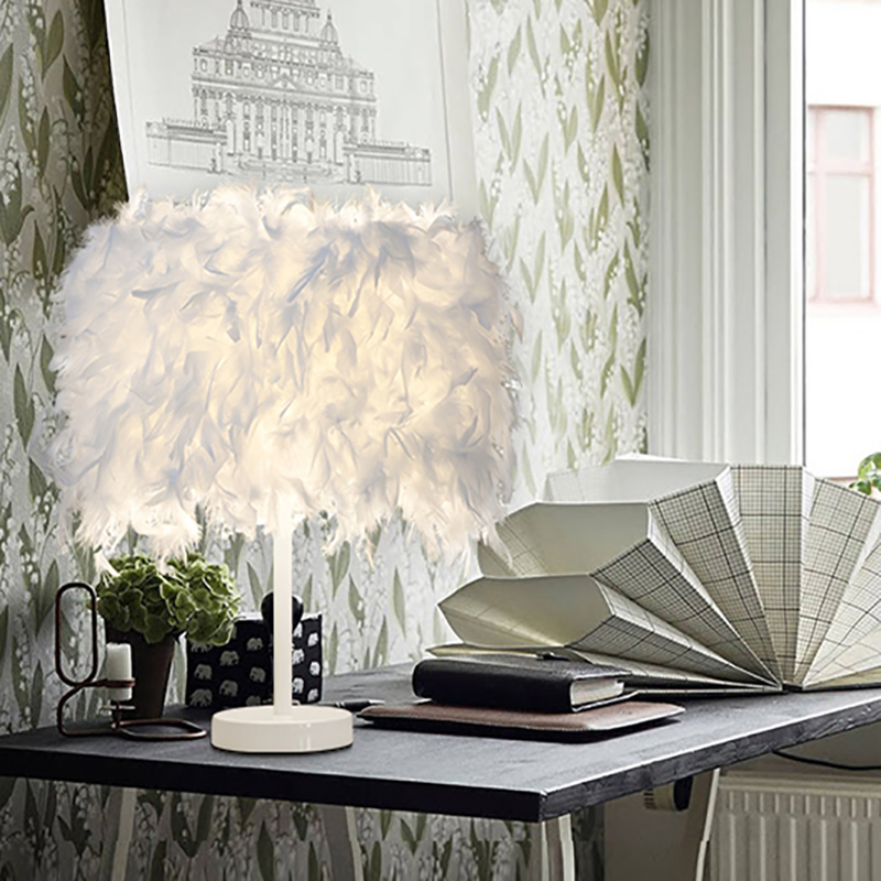Nordic European style Modern colorful romantic Natural feathers white table lamp E27 LED desk lights with