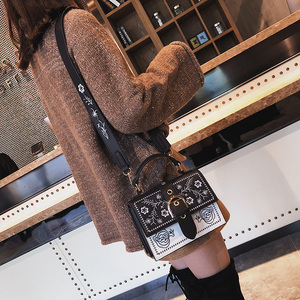 Image 2 - Toposhine Fashion Women Bag Panelled Vintage Flower Girls Bags for Girls Black PU Leather Women Messenger Bags Drop Shipping