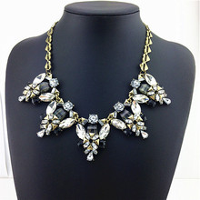 Statement Necklace Jewelry Women Fresh Style Necklaces & pendants Fashion New Luxury multi-color Crystal Flower choker Necklace