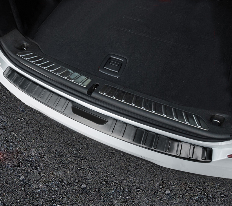 Outer Side Exterior Rear Trunk Bumper Guards Protector Plate Sill Plate Cover Trim 1PCS for BMW X3 G01 2018 Silver