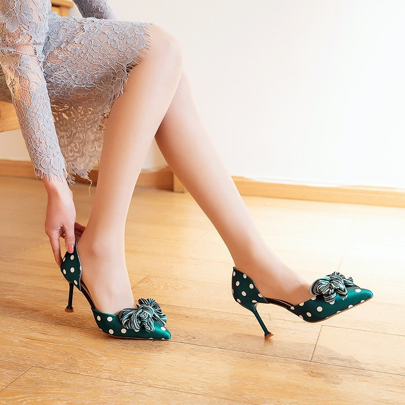 Wave point matching sweet bow knot girl high heels 2019 spring new sharp tipped thin heeled women sandals in High Heels from Shoes