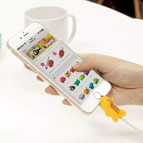 HTB1sIeBDmBYBeNjy0Feq6znmFXaM 1 pcs Animal Cable bites Protector for Iphone protege cable buddies cartoon Cable bites kabel diertjes Phone holder Accessory