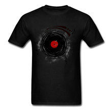 Spinning vinyl record men's t-shirt
