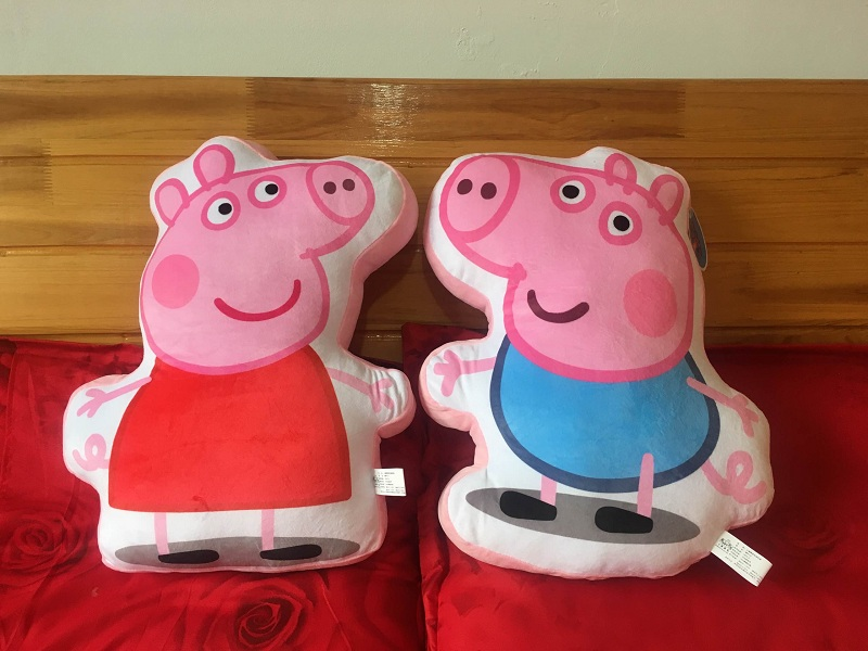 1pcs 45*35cm Biscuits pillow Genuine Peppa Pig Plush Animal Cushion Pillow Gift For Kids Children Cushion Family Cushions 1pcs 52 26cm creative novelty item funny women big mouth shape cushion pink red lip plush toy throw pillow for couch pregnancy