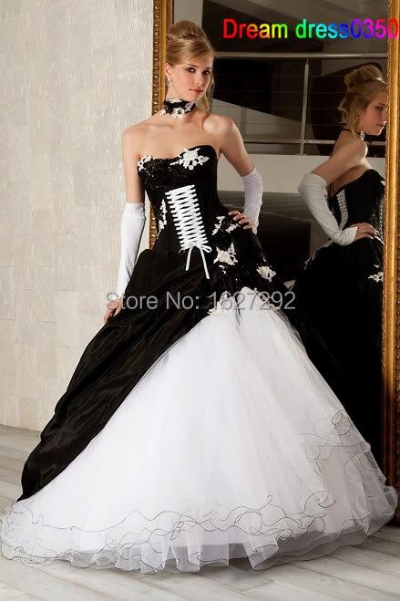 Vestidos en blanco y negro de 15