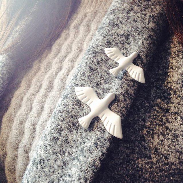 FAMSHIN New Korean fashion metal art white dove peace dove brooch corsage collar