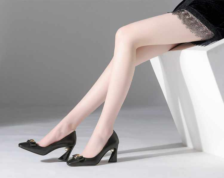 Büyük Boy 9 10 11 12 Bayanlar Yüksek Topuklu Kadın Ayakkabı Kadın Pompaları Ucu yay metal dekoratif sığ ağızlı tek ayakkabı