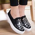 2017 New Spring Autumn Casual Flat Waterproof Platform Slip On Shoes Women Canvas Shoes Black White Ladies Flats Loafers O2256