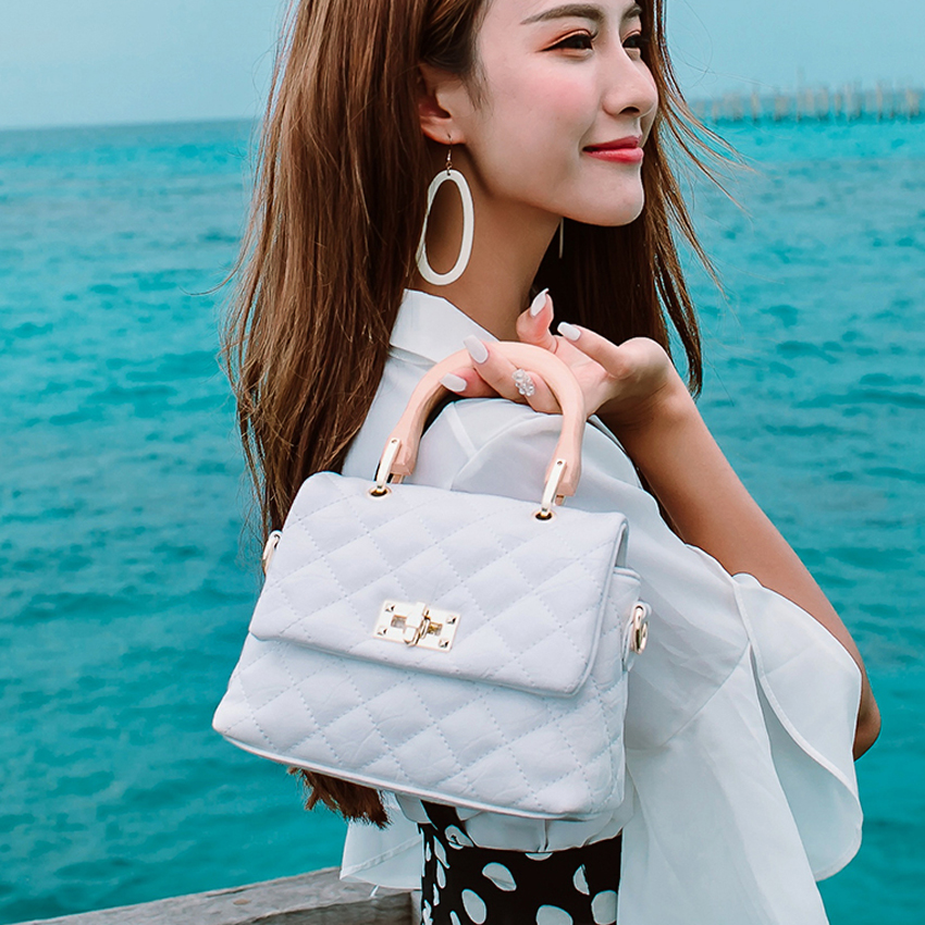TOYOOSKY 2018 Summer Fashion Women Handbag Vintage Flap Bag Design PU Leather Famous Brand wooden handle Crossbody Shoulder bag