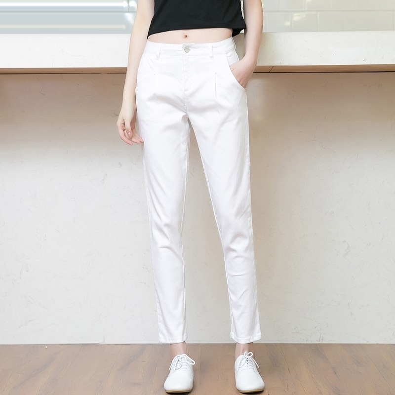 Wholesale 16 fall the new women's Haren loose feet of nine points thin jeans white pants