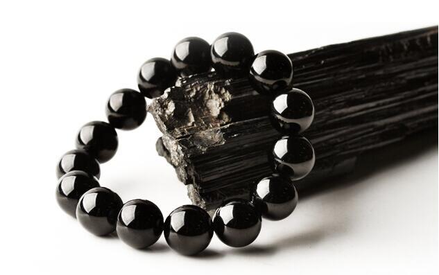 Image result for vòng tay đá tourmaline đen