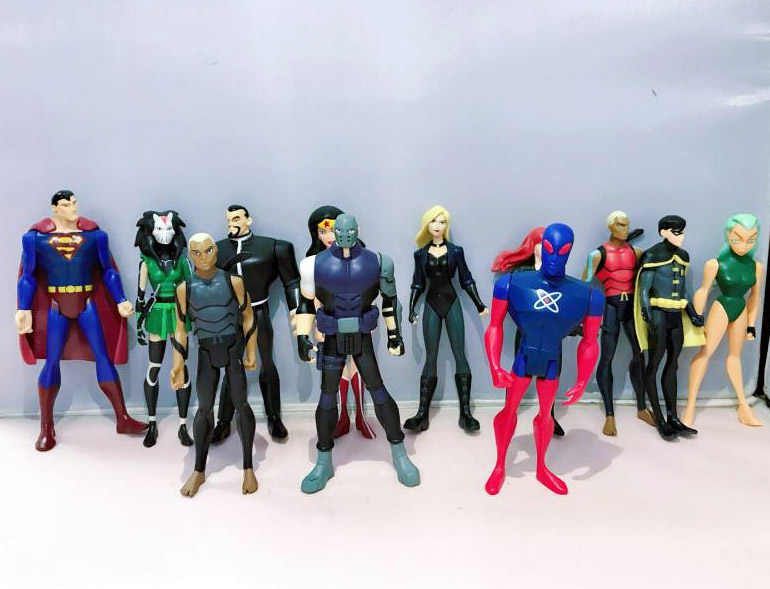 7e315befd077 ... Lot of 12 DC Young Justice League Aqualad Robin Atom Superman Aquagirl  Savage Canary Loose Action