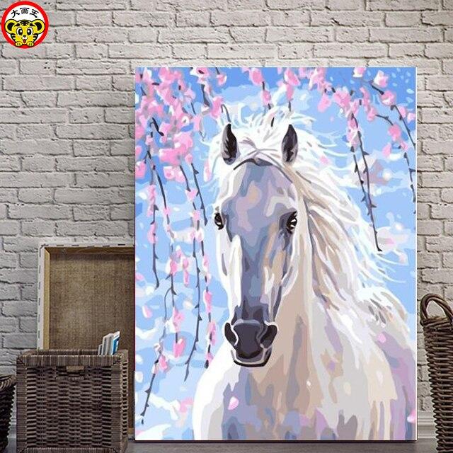 Peinture par numéros artistique bricolage   Le beau cheval blanc est assorti avec lui avec une fleur de vache colorée