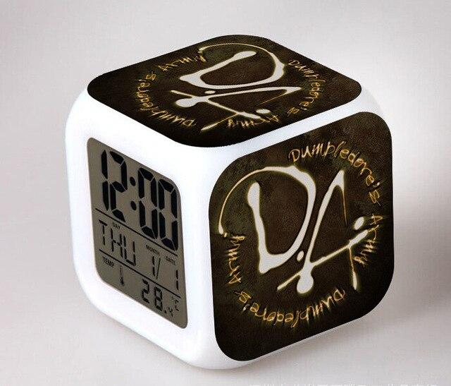 De Moive HARRY Slaapkamer klok LED 7 Kleur Flash Digitale Wekkers ...