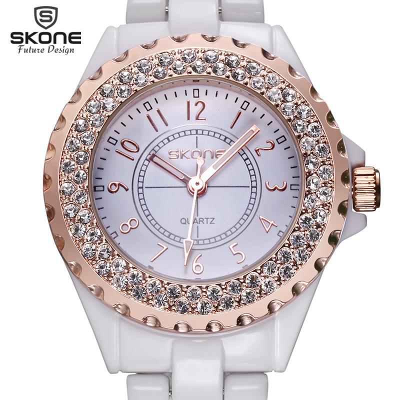 Prix pour 2017 Nouvelle Marque De Luxe SKONE Neige Blanc Femmes En Céramique Montre De Mode Genève Femmes Montres Lady Bracelet À Quartz montres relojes mujer