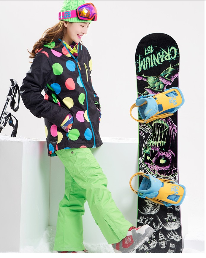 Women waterproof ski suit female winter outdoor riding climbing ski suit black with colorful dots ski jacket and green ski pantsWomen waterproof ski suit female winter outdoor riding climbing ski suit black with colorful dots ski jacket and green ski pants