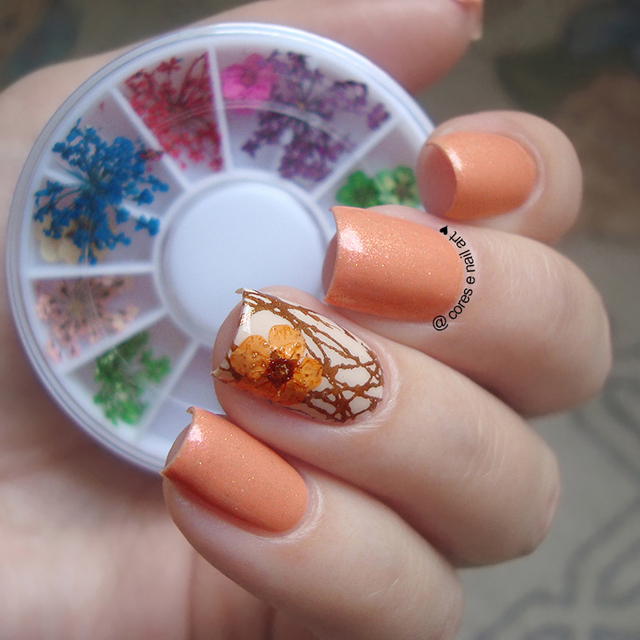 1 Box 3D Nail Art Decoration Mixed Dried Flower Preserved Flower Dry 3D Flower Tips Manicure DIY Nail Decoration in Wheel