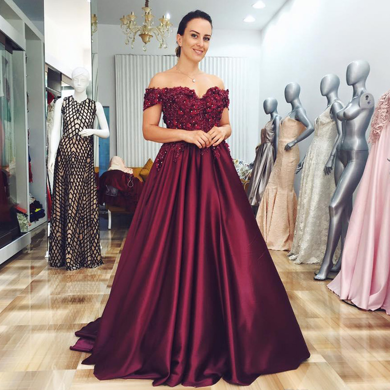 New Arrival Burgundy A-line Prom Dresses Off The Shoulder 3D Flower Beading Evening Gowns Draped Satin Special Occasion Dress