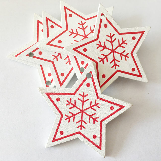 New 10pcs/Lot  Xmas Tree Decoration For Home Natural Wood Red 5CM Christmas Ornaments Snowflakes Pendant Hanging Gifts Wedding 23