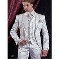 Custom Made 2016 dos homens brancos se adapte vestidos de casamento bordados para homens noivo smoking 3 peça noivo terno ( jacket + pants + vest )