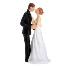New Bride and Groom still shopping kissing dancing Funny Figurine Wedding Cake Topper Personalised Event Party Supplies Marriage