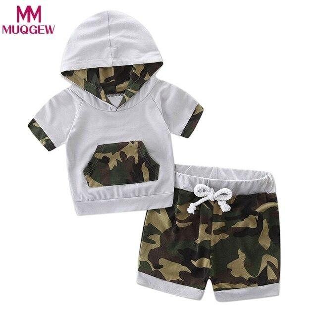 10475df029504 Moderne 2018 bambin bébé garçon vêtements à capuche Camouflage épissure  survêtement hauts ensemble short et haut