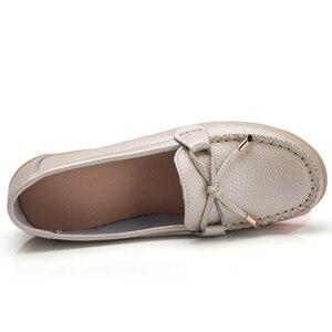 Image 2 - Женские мягкие туфли на плоской подошве ZIMENIE, брендовые прогулочные Кожаные Туфли Лоферы 16 цветов с украшением в виде бабочки, большие размеры 35 44