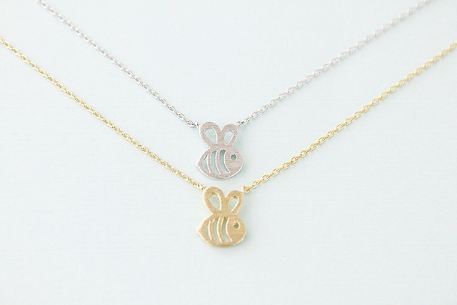 Girl's Super Cute Bee Shaped Pendant Necklace