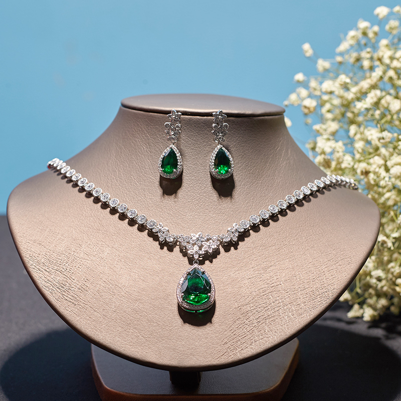 2018 Fashion Jewelery Set High Quality Zirconium Necklace Earrings Set Bride Wedding Dress Accessories Women/Grils Gift Hot Sell