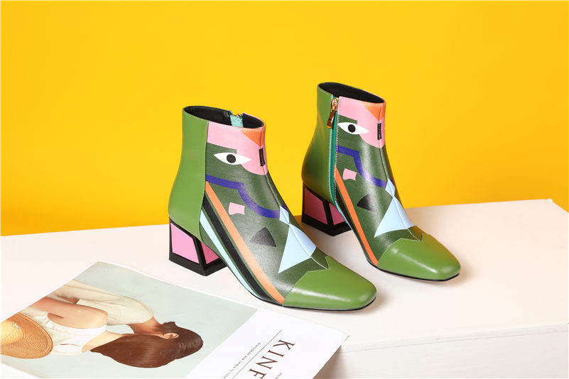 green pointed toe shoes
