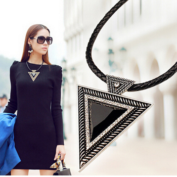 Vintage Big Black Triangle Statement Naszyjnik 2018 Kobiety Boho Crystal Maxi Necklace Collier Turkish Jewelry Accessories Gifts